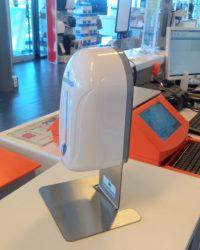 Automatische desinfectie-dispenser met rvs tafelmodel houder